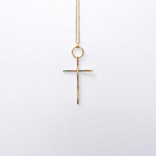 collier avec croix en argent multicolore