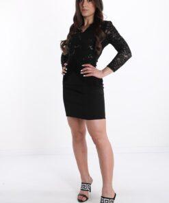 robe noire dentelle encolure en v à franges avec des paillettes