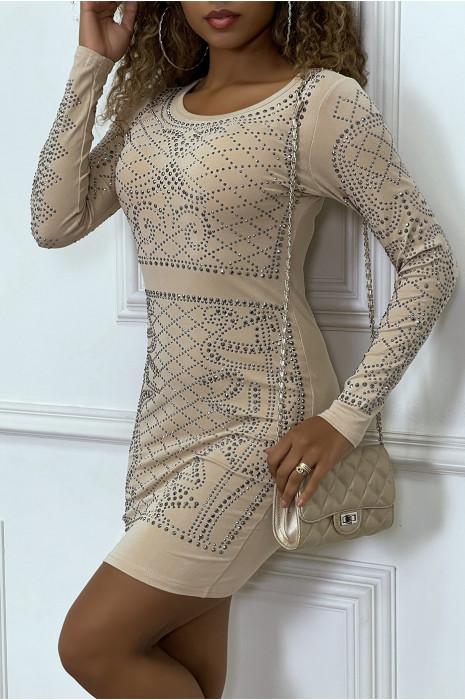 robe-moulante-beige-avec-strass-argente