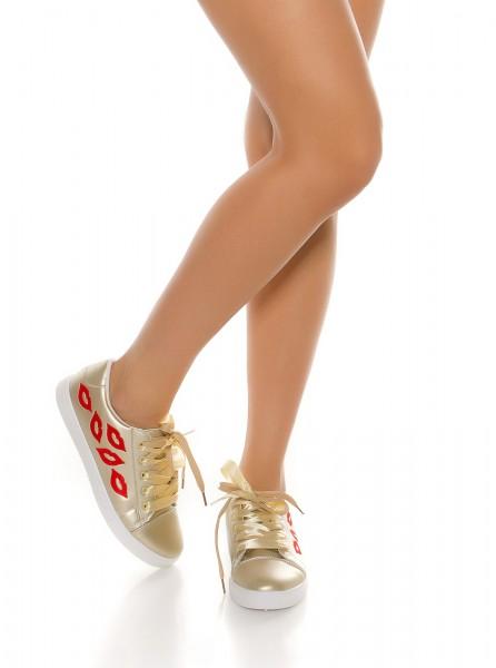 sneakers femme tendances avec broderie lèvres rouge